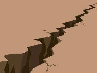 Earthquake Crack Cracked Damage  - HaticeEROL / Pixabay
